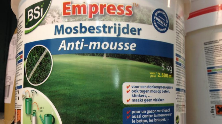 S a deronne j m f empress anti mousse - Produit anti mousse gazon ...